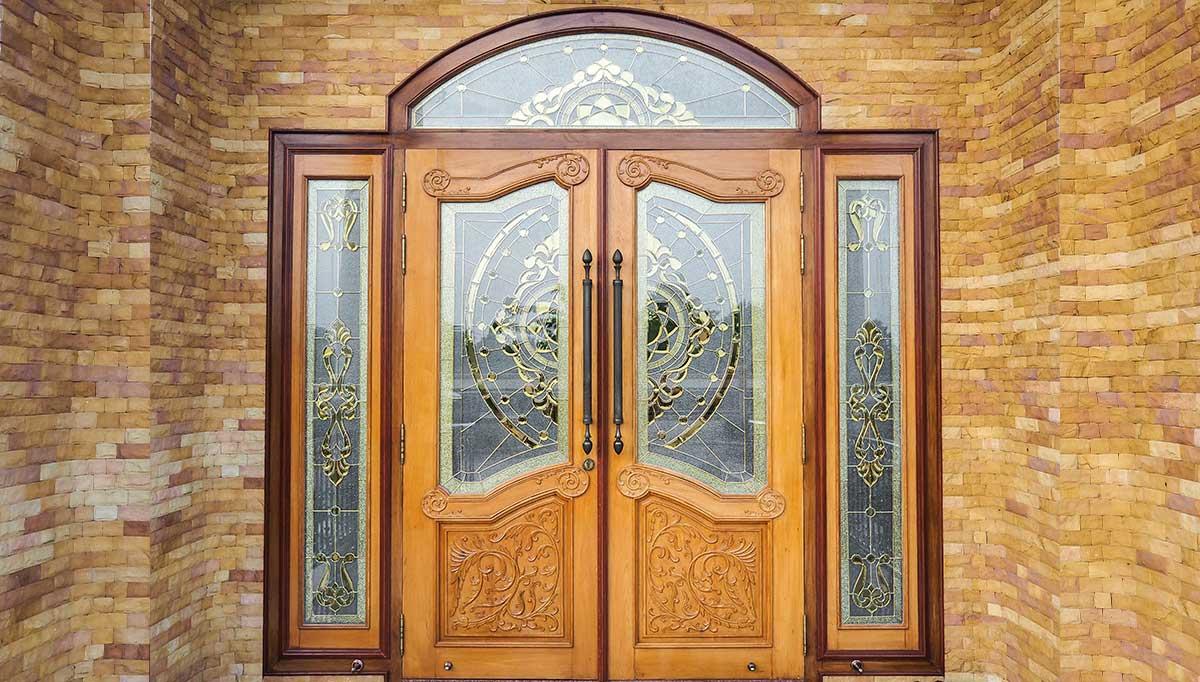 Ahşap Kapı Dekorasyonu