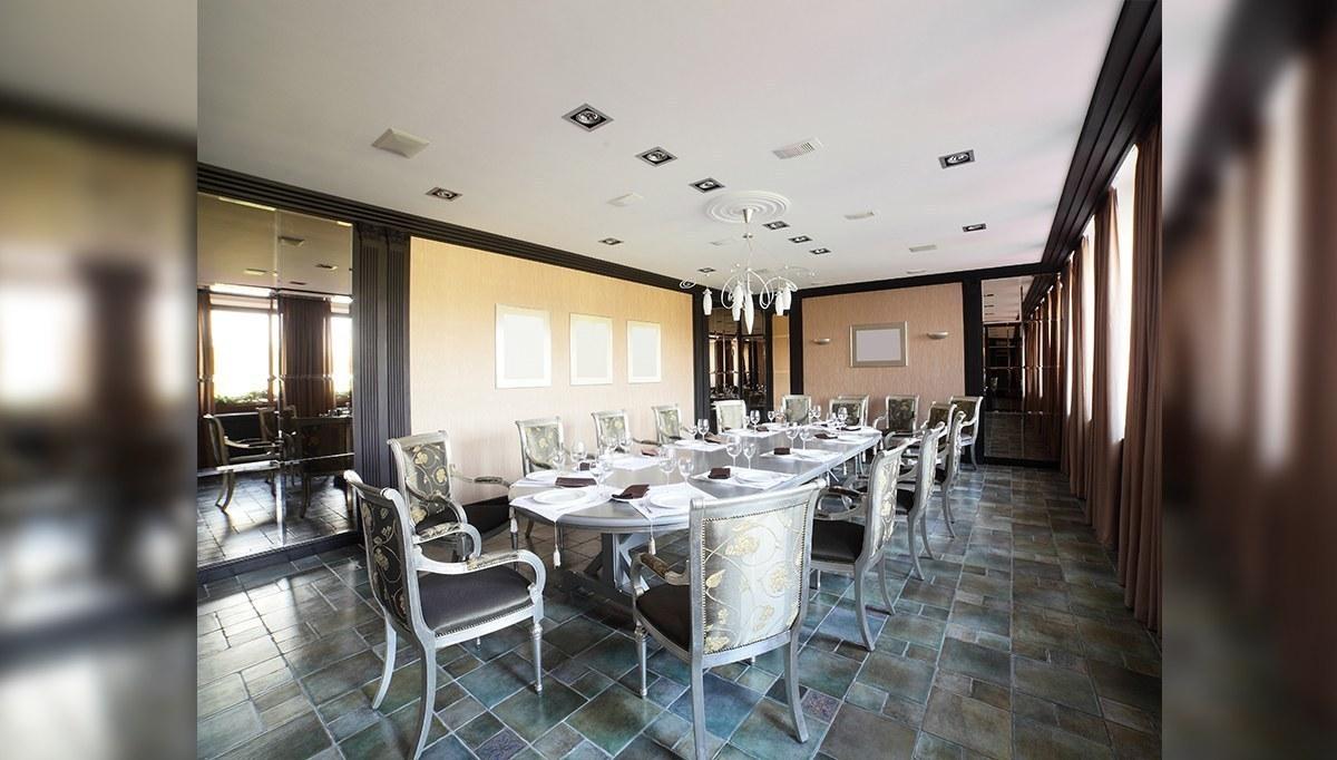 Gümüş Yemek Masası