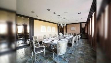 - Gümüş Yemek Masası