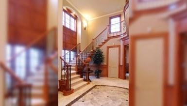 - İnce Merdiven Dekorasyonu