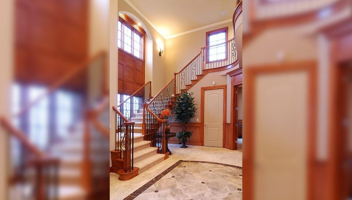İnce Merdiven Dekorasyonu