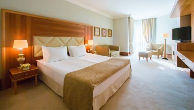 - Loguta Otel Odası