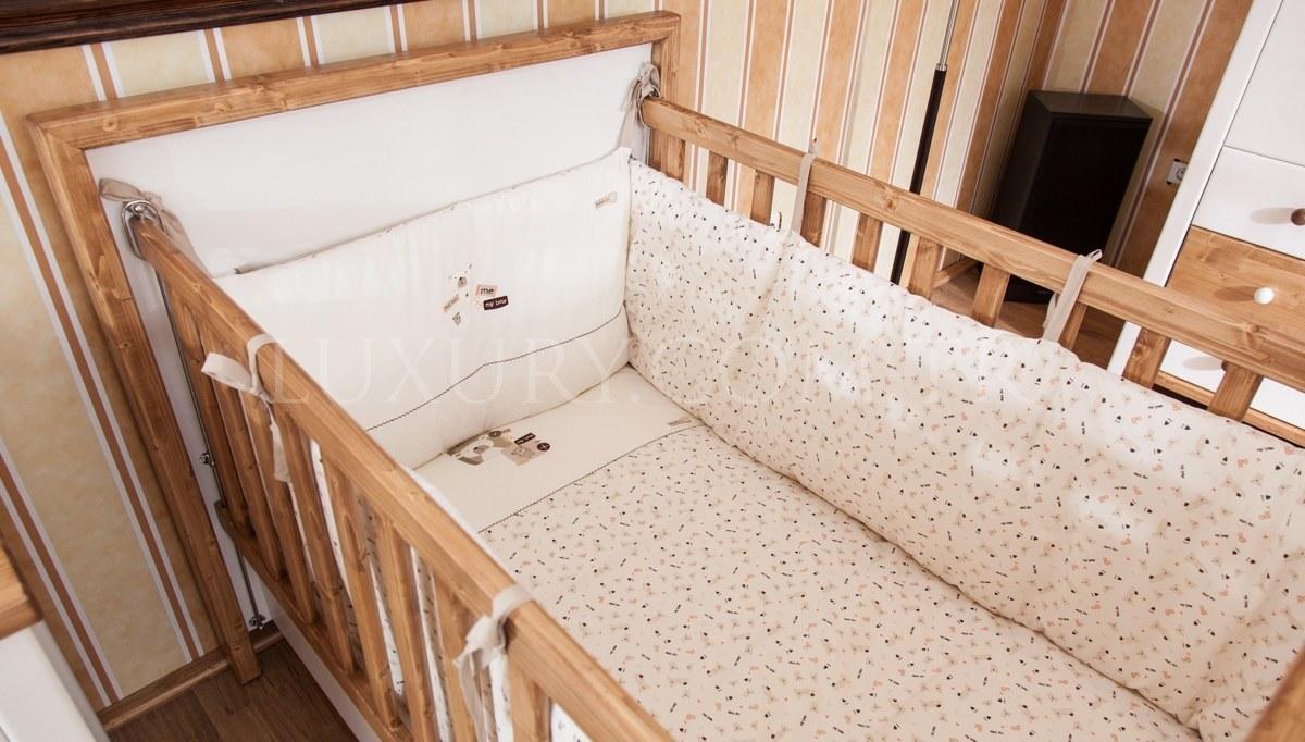 Lüks Afender Ahşap Bebek Odası