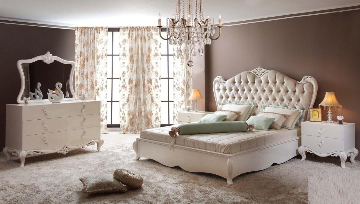 Lüks Baleras Klasik Yatak Odası