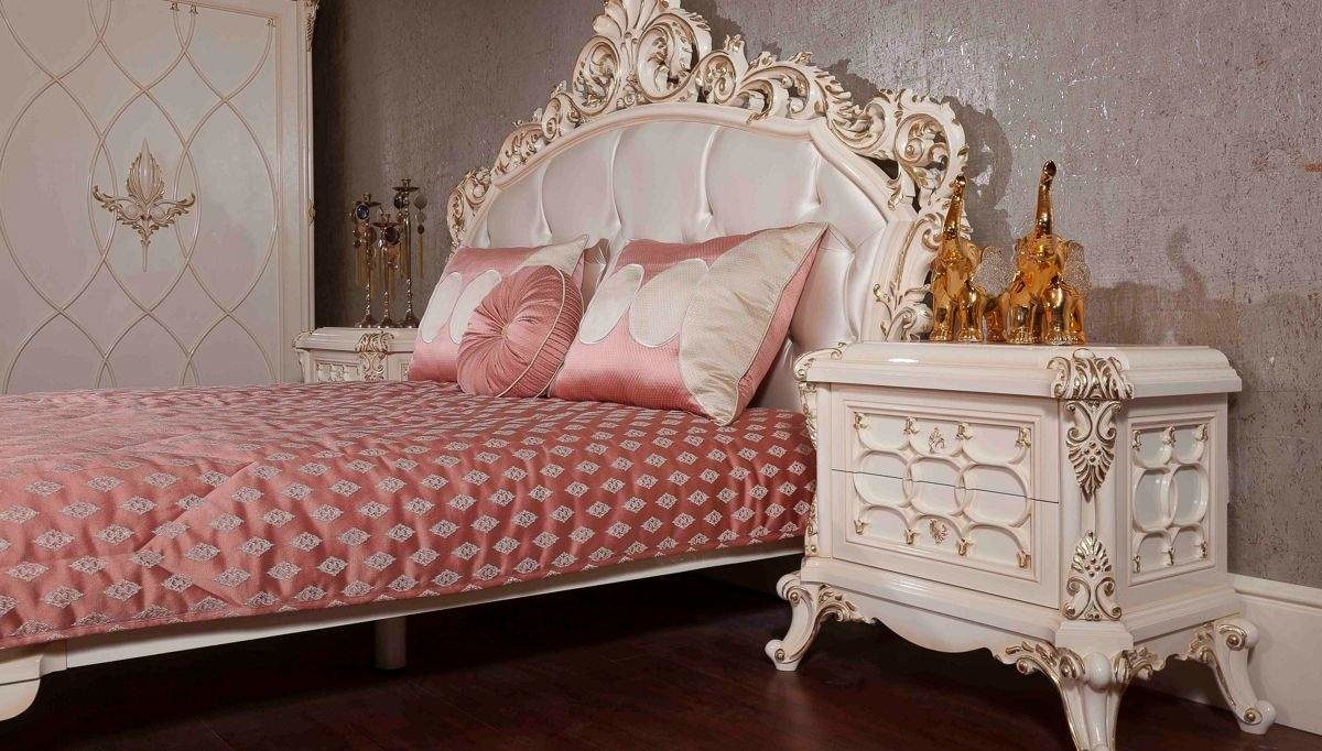 Lüks Şanlı Klasik Yatak Odası