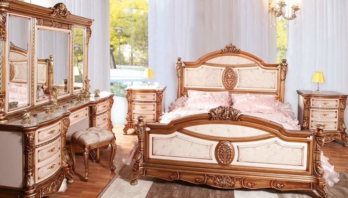Lüks Ulubatlı Klasik Yatak Odası