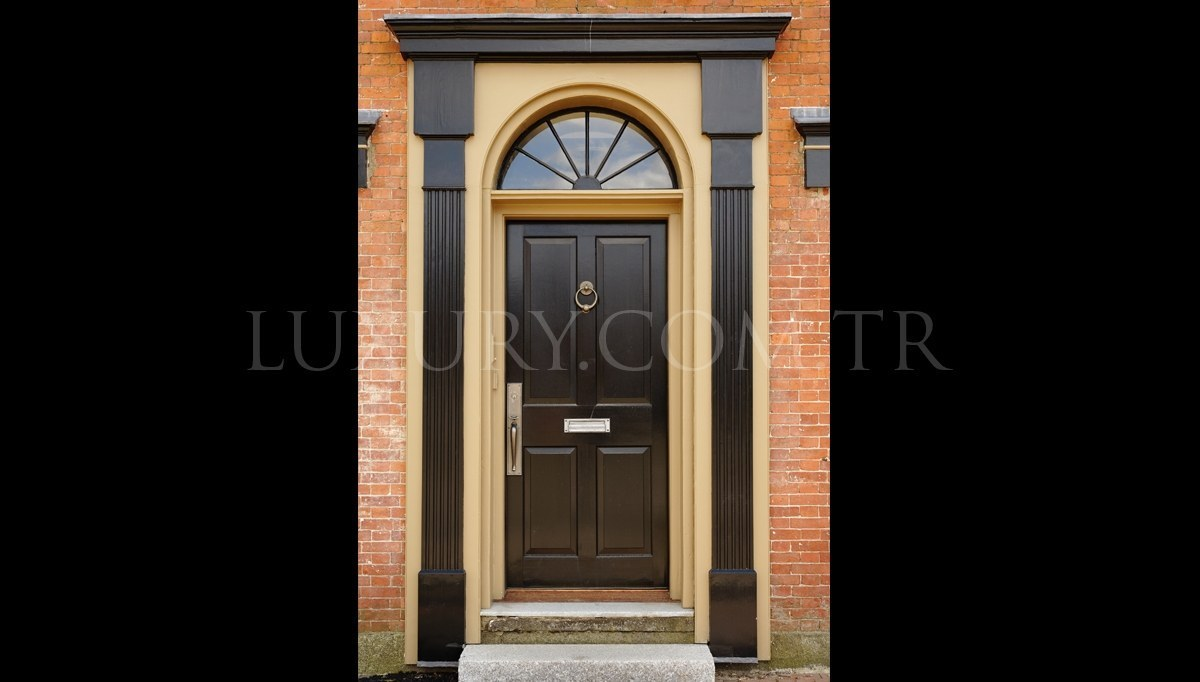 Varderas Kapı Dekorasyonu