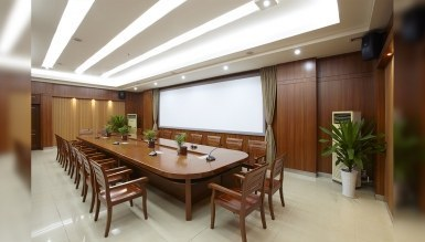 - Zirve Toplantı Masası